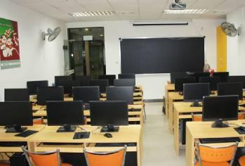 学校电脑室