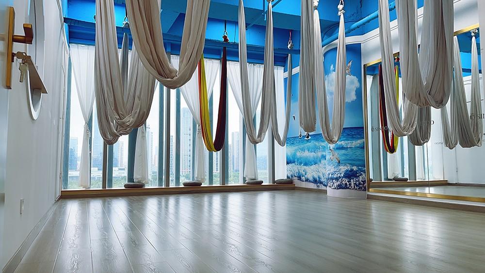 空中瑜伽教室