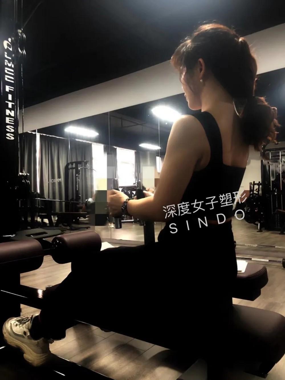 抗阻力结合瑜伽体式训练